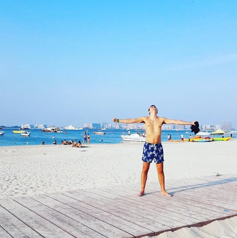 Jumeirah Beach post-brunch